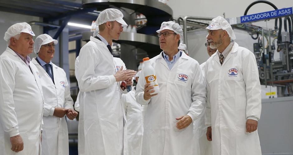 Alberto Núñez Feijóo visita las nuevas instalaciones de Larsa en Lugo